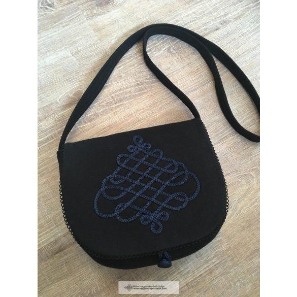 Női táska fekete, kék díszítéssel