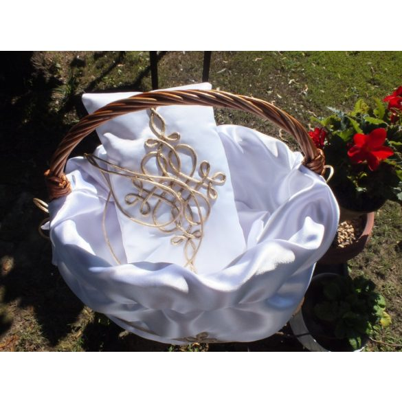 Rose petal spray basket, Ring pillow