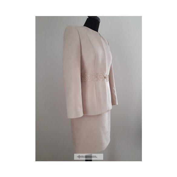 Szilvi női kosztüm