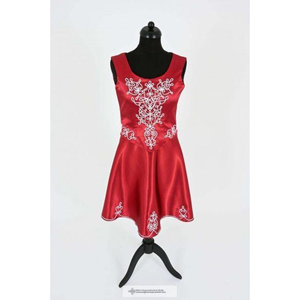 Tulipán-menyecske ruha