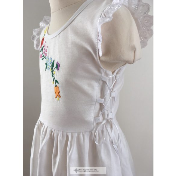 Kislány ruha- fehér, hímzett