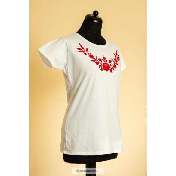 Hímzett kalocsai mintás póló