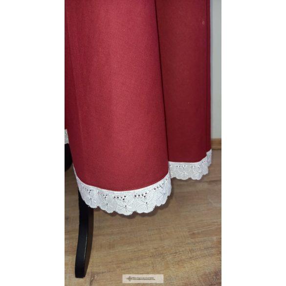 Lovagló szoknya-madeira csipkével
