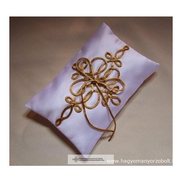 Zsinóros gyűrűpárna-arany