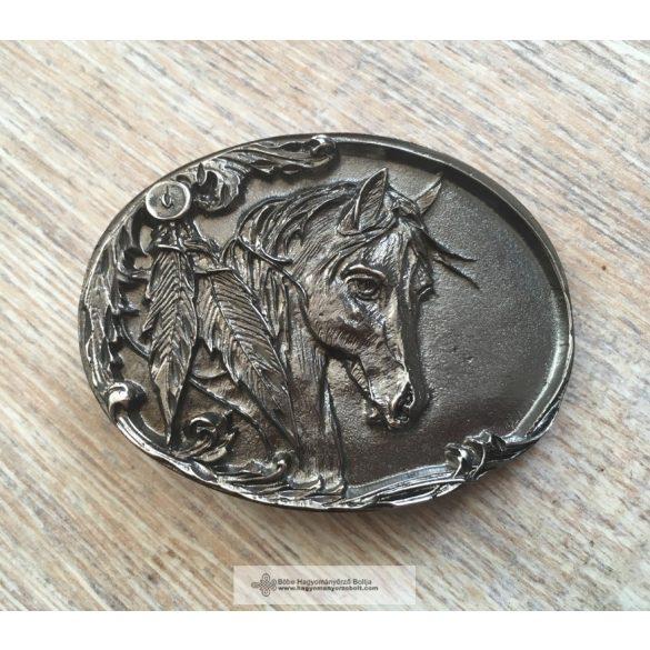 Lófejes övcsat, ezüst