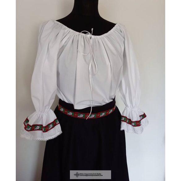 Reiten Damenkleid, verziert mit Volksband
