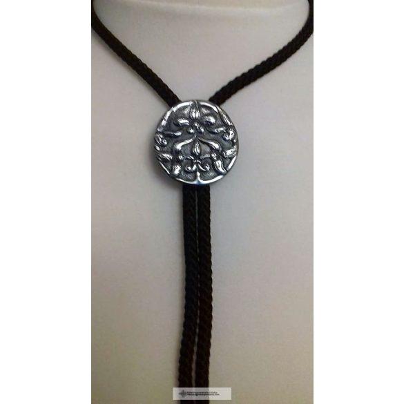 Sárospataki zsinóros nyakkendő, nyakdísz