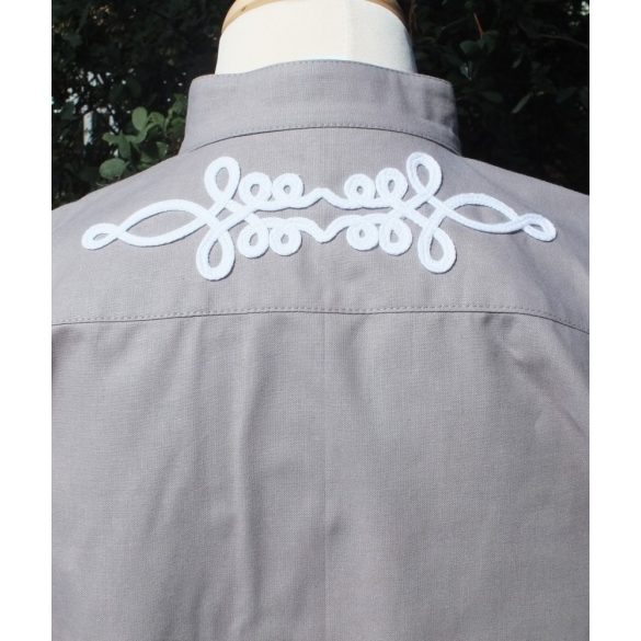 Gray bocskai shirt with short sleeves