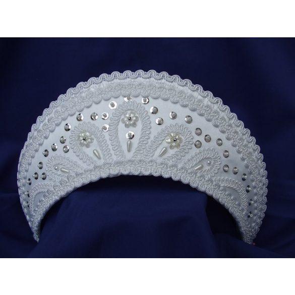 Bride headdress white
