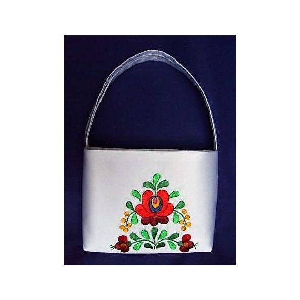 Hímzett menyasszonyi táska-2
