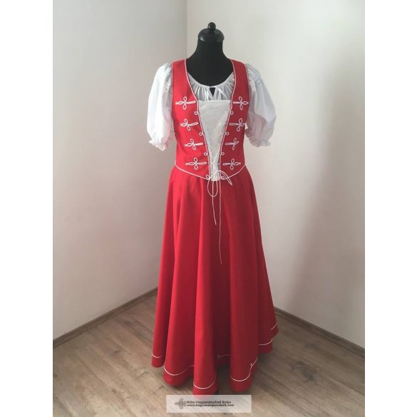 Ungarisches Reitkleid