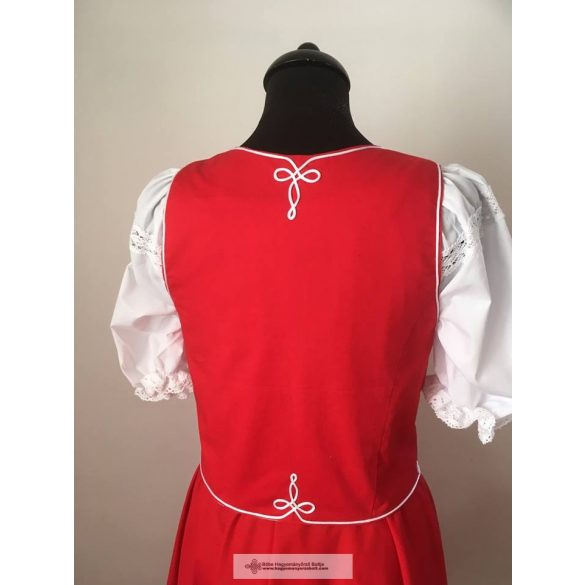 Hungarian riding clothes-woman riding clothes