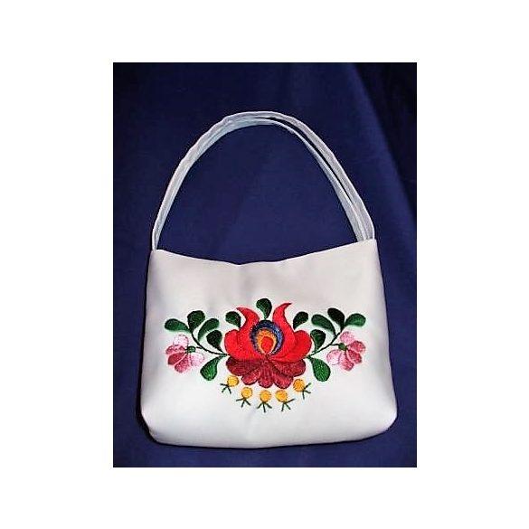 Hímzett menyasszonyi táska