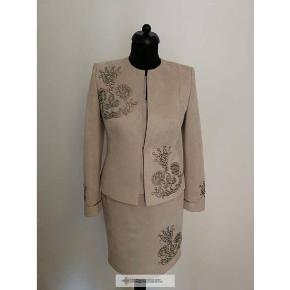 Orsi női kosztüm