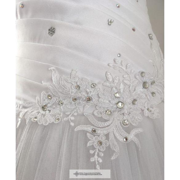 Mónika menyasszonyi ruha