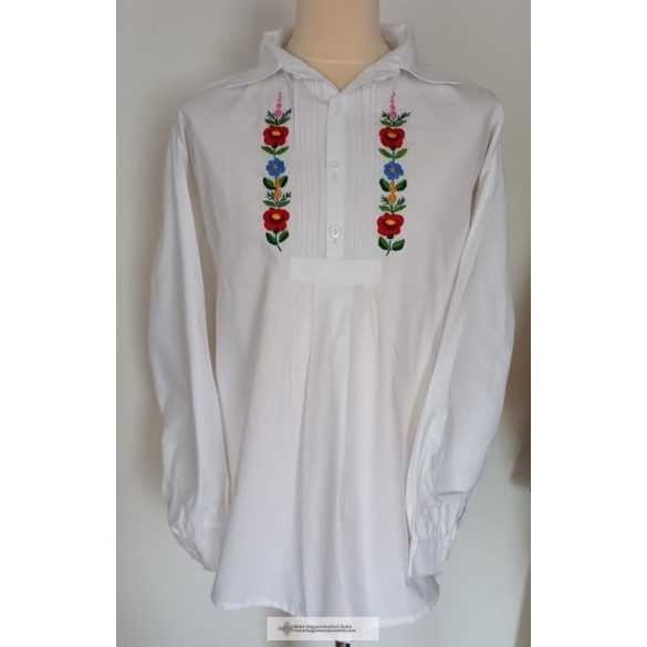 EMBROIDERED Peasant shirt.
