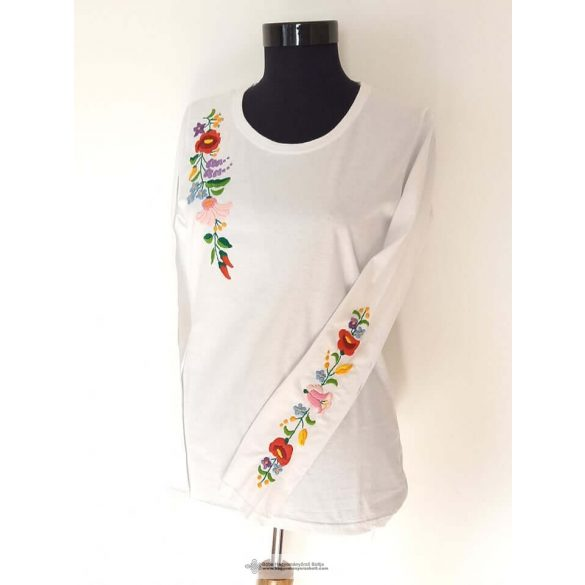 Besticktes T-Shirt, ungarisch, weiß